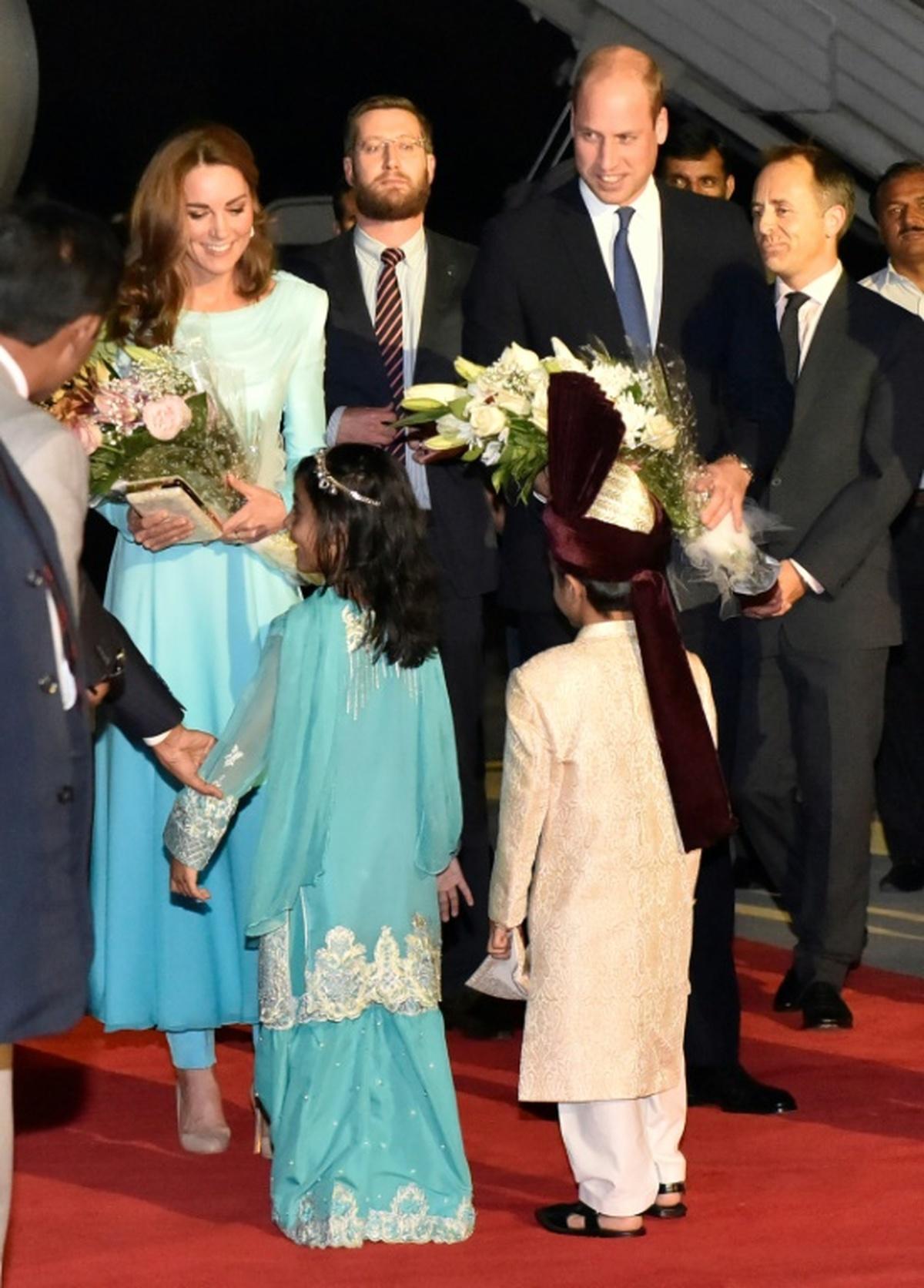 سفر عروس ملکه به پاکستان توجه رسانه ها به شلوارپوشی کیت مدیلتون