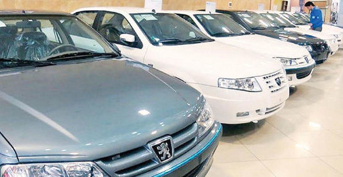 بازار خودرو در سراشیبی   تغییرات قیمت ۱۰خودروی پرفروش بررسی شد