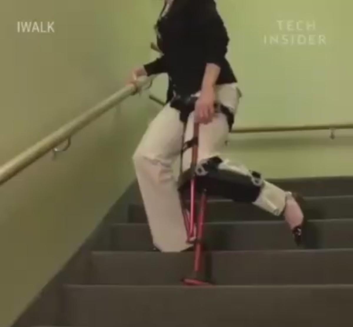 عصای بدون نیاز استفاده از دست! + ویدئو