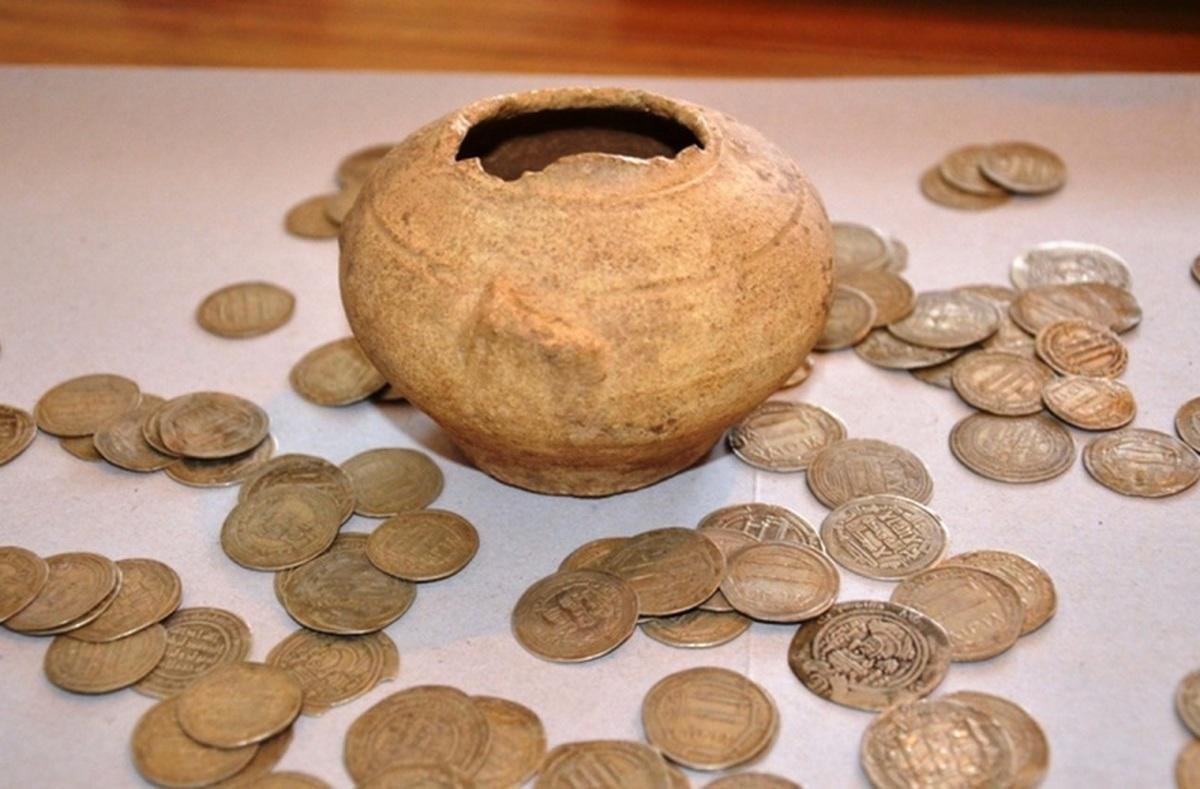 قطعه سکه تاریخی در لامرد توقیف شد