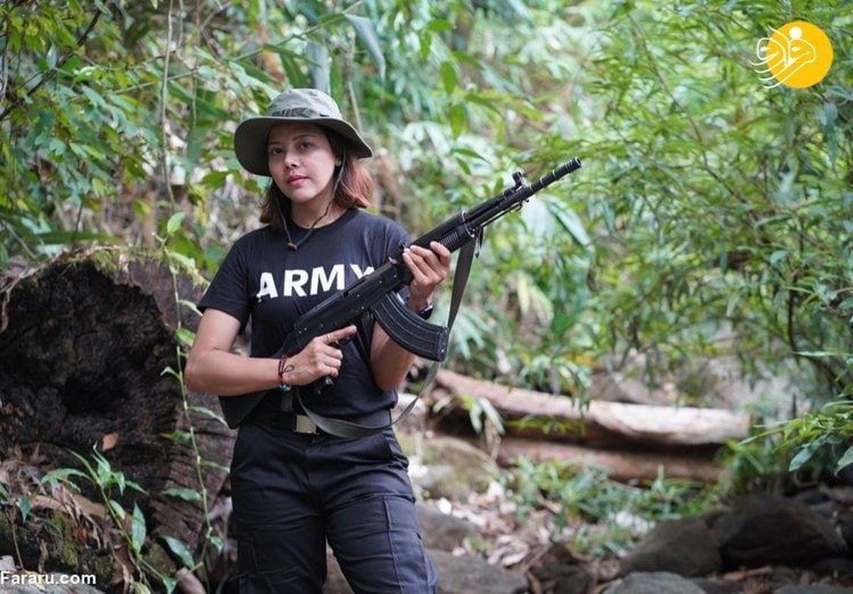 ملکه زیبایی میانمار با اسلحه به جنگ حکومت نظامیان رفت