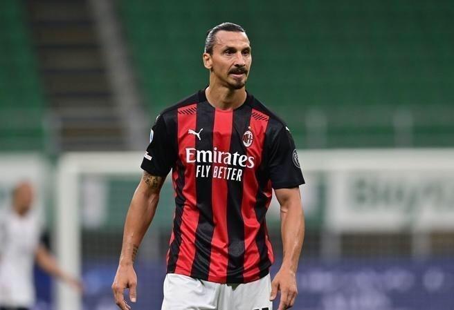 باشگاه میلان  |   زلاتان کرونا گرفت