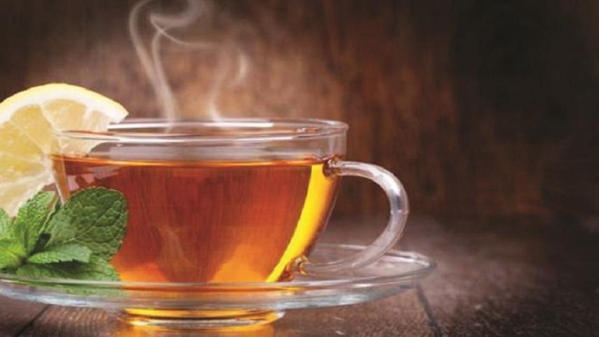 خطر نوشیدن چای داغ را جد بگیرید