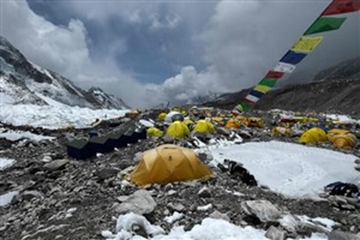 هیمالیانورد ایرانی هم کرونا گرفت | شیوع کرونا در بین کوهنوردان اورست