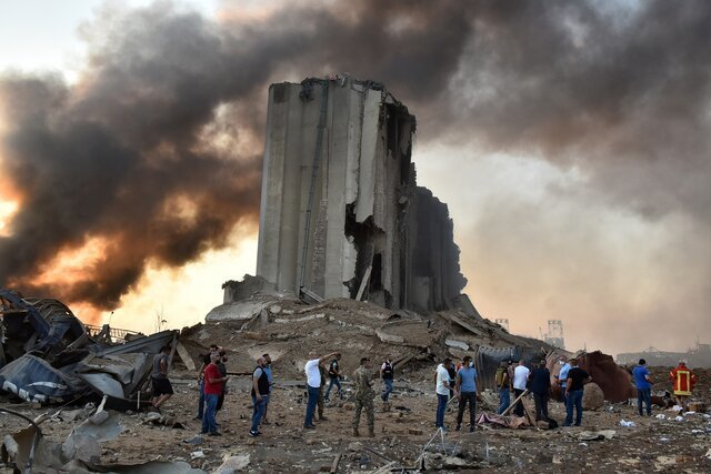 دستکم ۷۸ کشته و بیش از ۴۰۰۰ زخمی در پی انفجار بیروت + جزییات