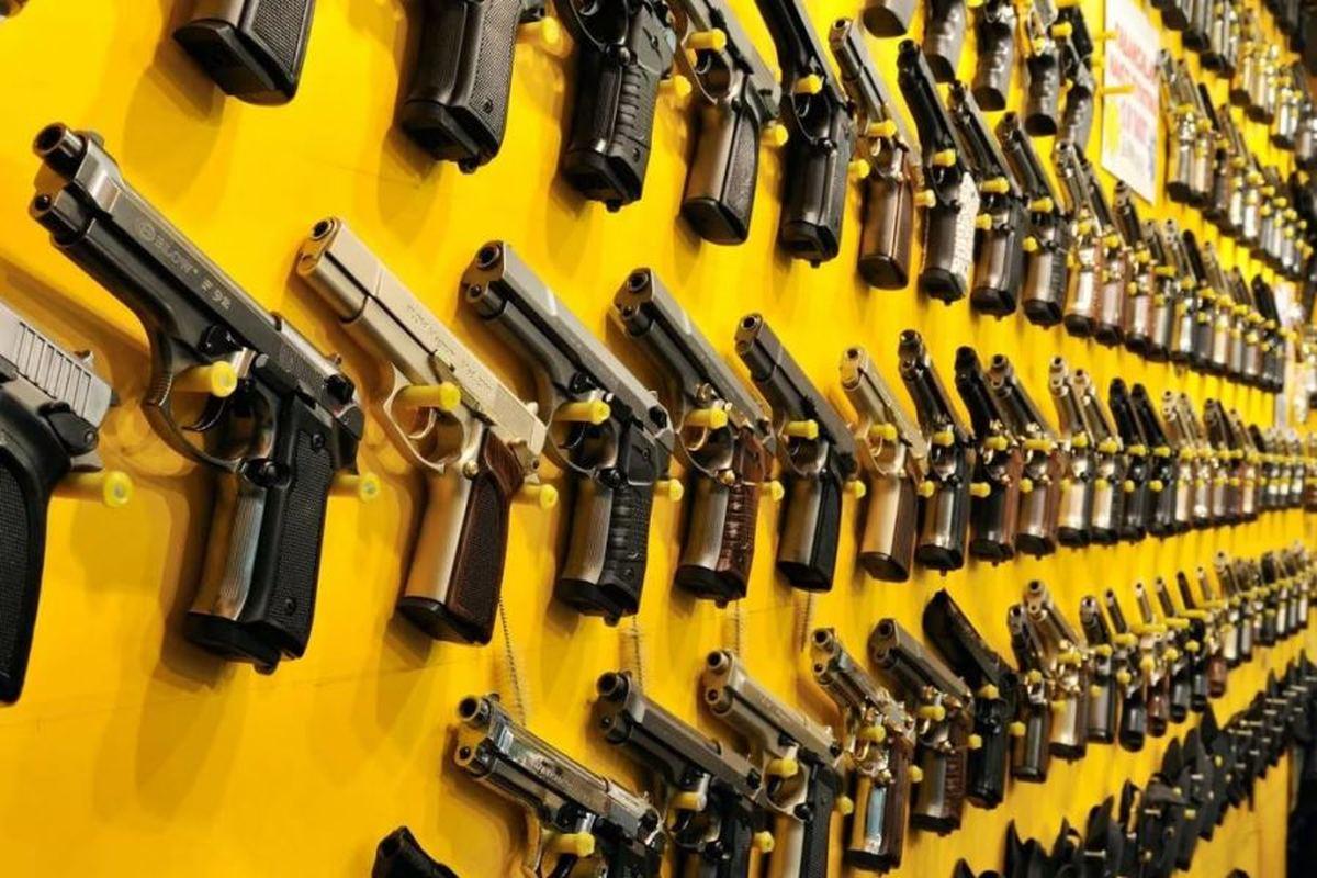 فروش سلاح؛ تحویل درِ منزل | آمارهای رسمی از افزایش آمار مرگ با سلاح گرم و همچنین افزایش میل به خرید اسلحه حکایت دارد