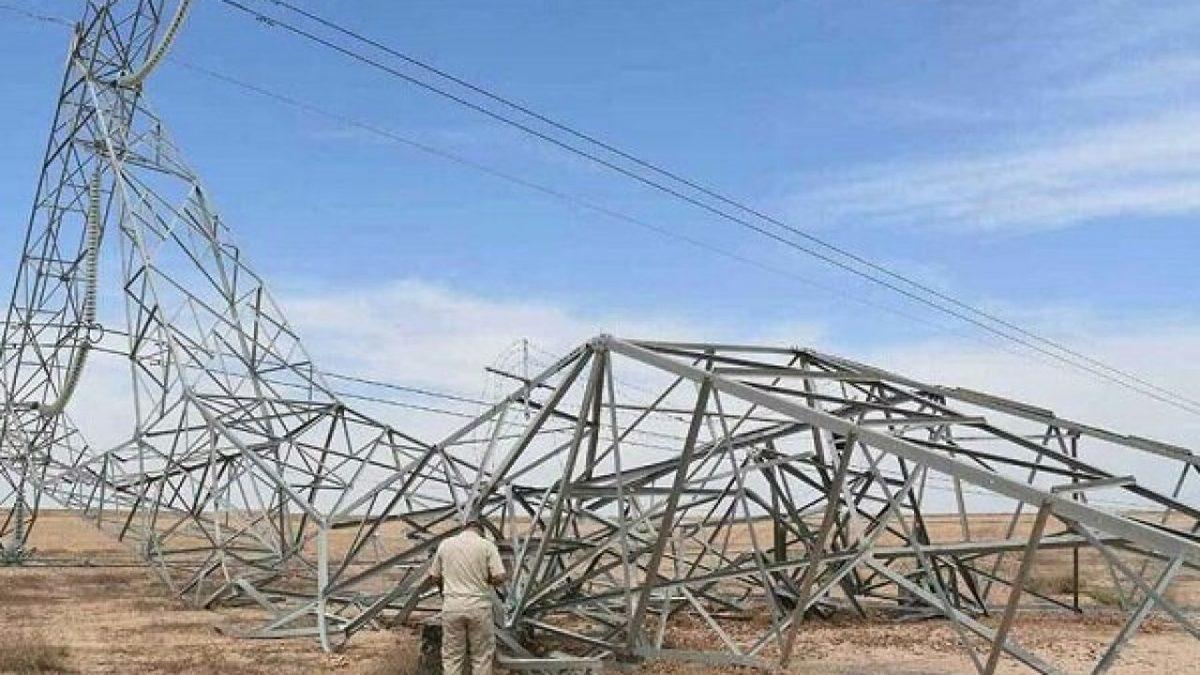 داعش  با انفجار  یک خط انتقال برق خسارت زیادی وارد کرد