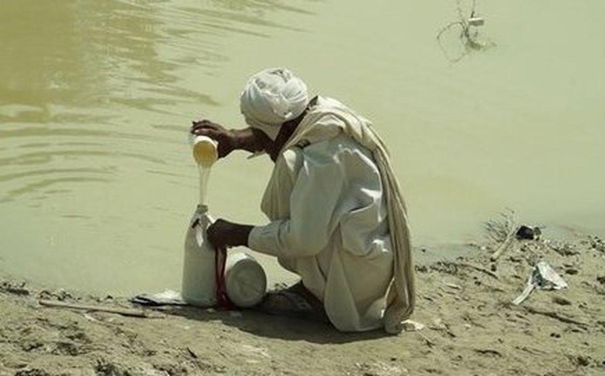 کسی هست جواب این مردم را بدهد؟+ تصویر غمبار از صف طولانی سیلندر گاز در سیستان