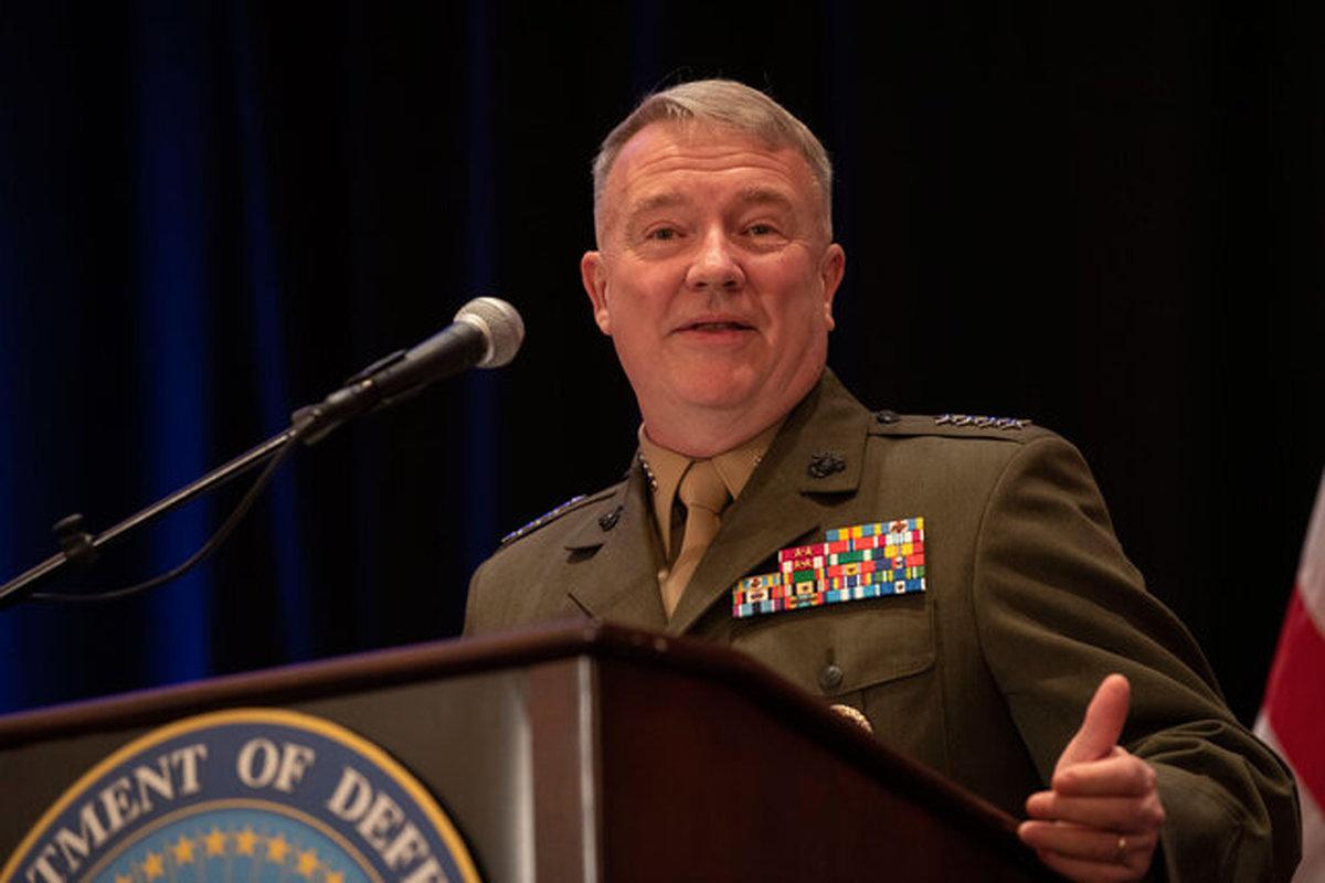 فرمانده سنتکام: به دنبال حل مشکل حملات پهپادهای کوچک در عراق هستیم