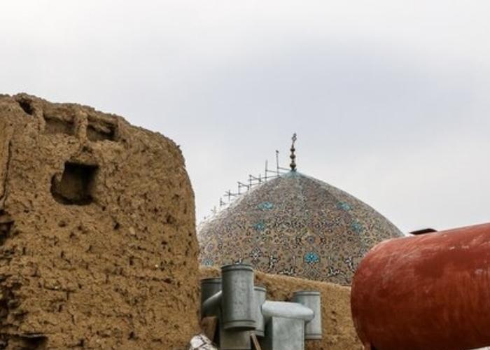 خاکبرداری پشت مسجد شیخ لطفالله متوقف شد
