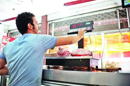 قیمت مرغ دوباره پرکشید | تولیدکنندگان مرغ از افزایش ٢ تا ٥ برابری قیمت واکسن و دارو خبر میدهند