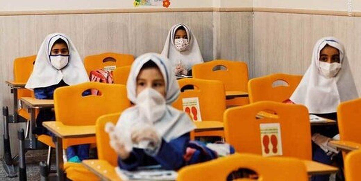 دانشآموزان ایرانی واکسینه میشوند