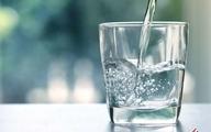آیا میدانید نوشیدن آب به سلامت پوست شما کمک کند؟