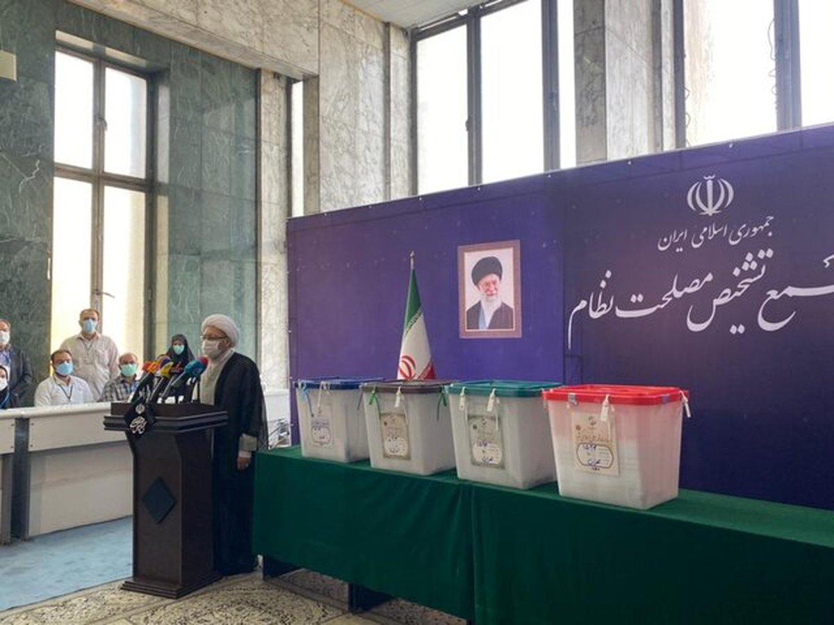 آملی لاریجانی: راه حل مشکلات قهر کردن با صندوق رأی نیست