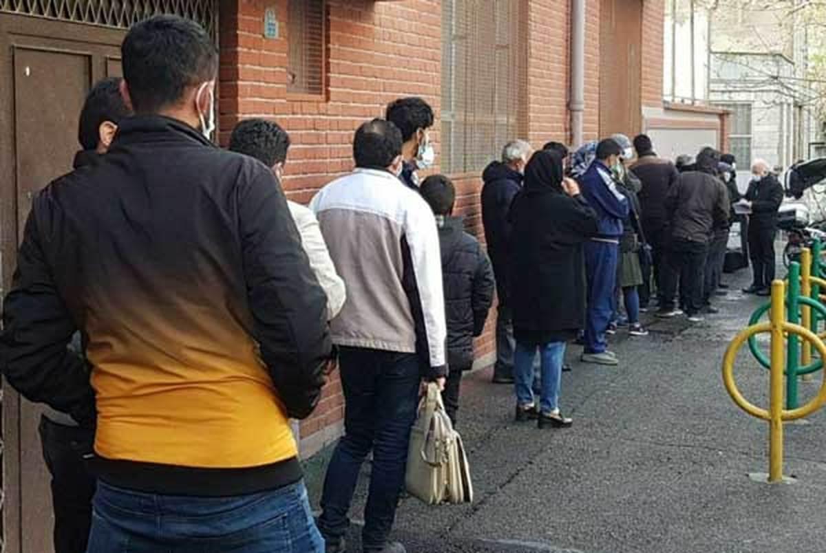 صف عجیب ملاقات مردمی با احمدی نژاد+ عکس| مردم هنوز احمدی نژاد را دوست دارند؟!