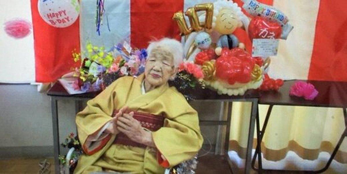 المپیک   مسن ترین فرد جهان  مشعل المپیک را حمل میکند