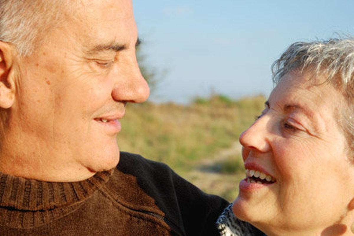 شوخ طبعی چه اثری بر روابط عاطفی دارد؟