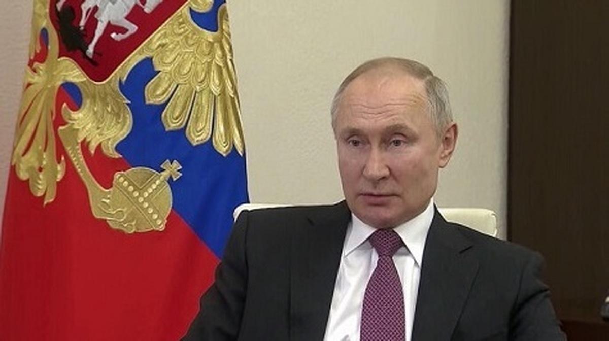 پوتین یواشکی واکسن کرونا زد| پوتین در کاخ کرملین واکسن کرونا زد