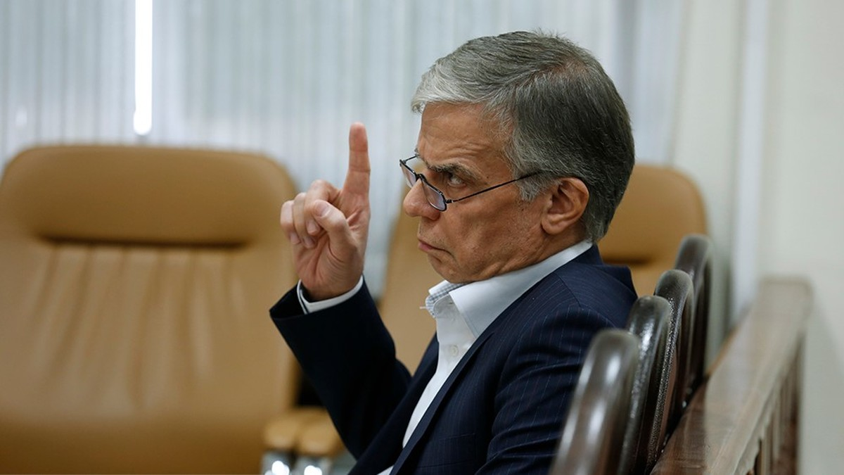 ایروانی: دولت نرخ ارز مصوب را اجرایی کند، بدهی بانکی گروه عظام را تسویه می کنیم قاضی صلواتی: ما به شما مهلت میدهیم