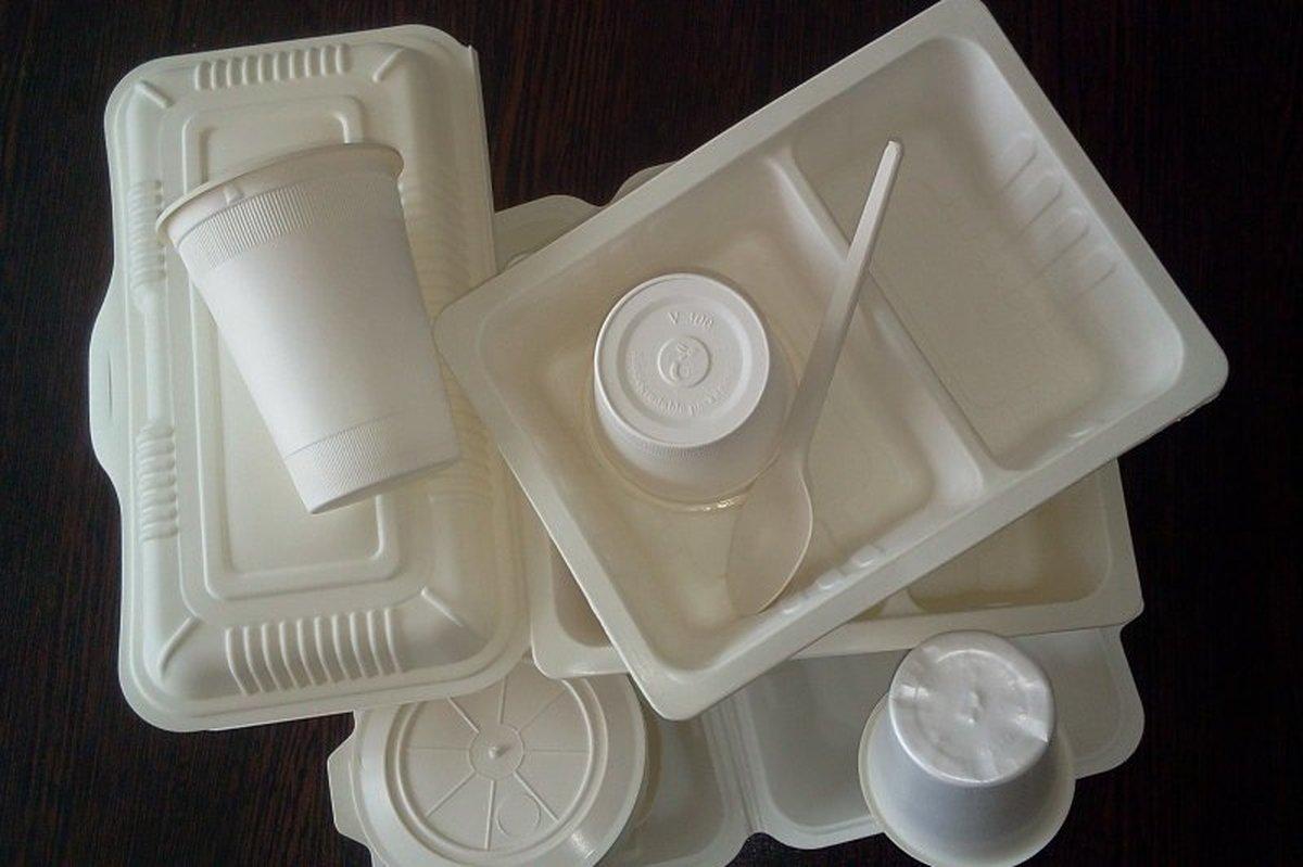 قیمت ظروف یکبار مصرف نسبت به پارسال  ۵۰ درصد کاهش یافت