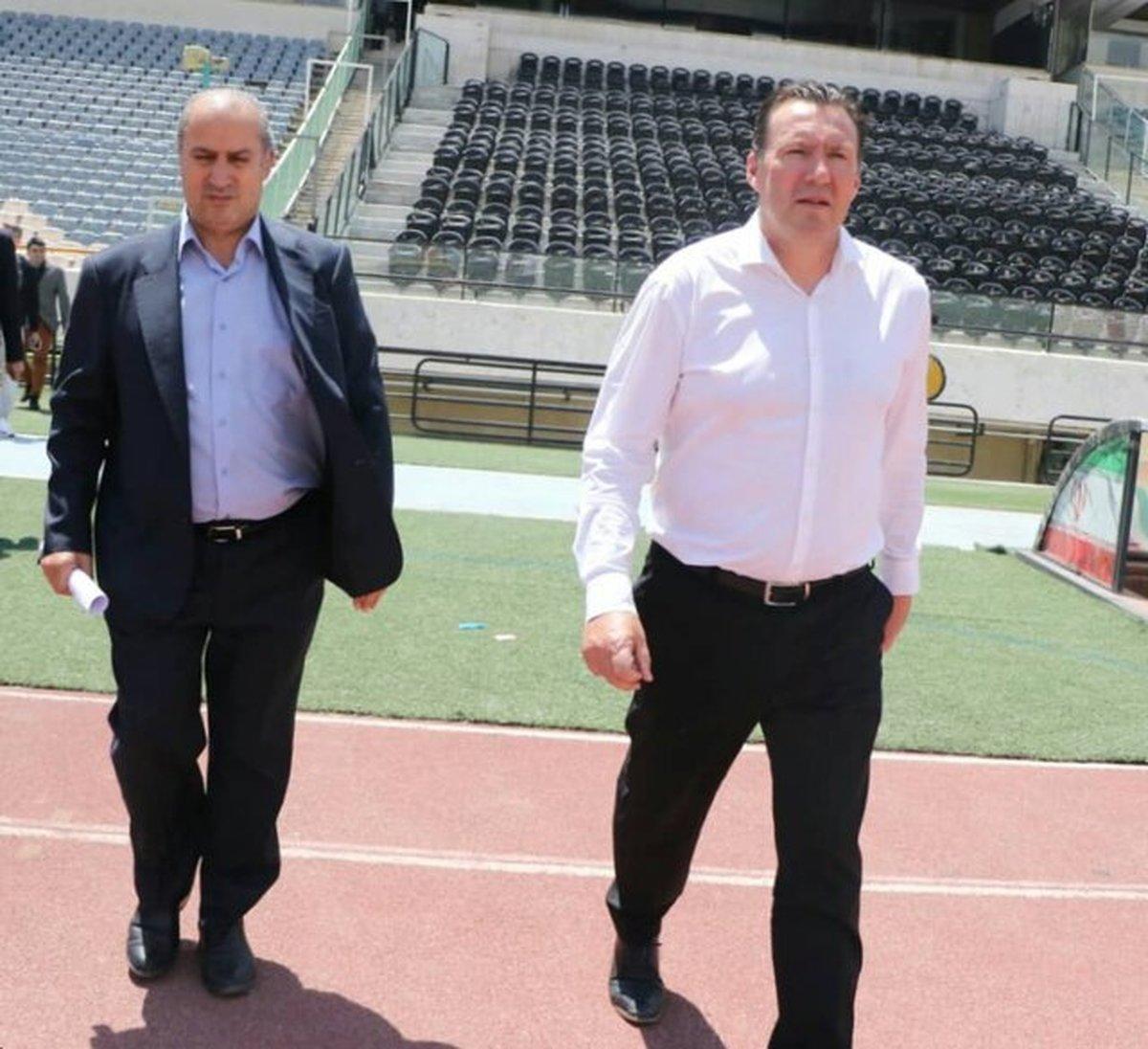 تصاویری از حضور ویلموتس در استادیوم آزادی