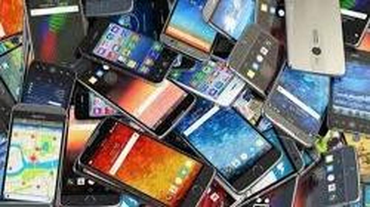 یک میلیون و 183 هزار دستگاه موبایل تا پایان شهریور امسال وارد کشور شده است