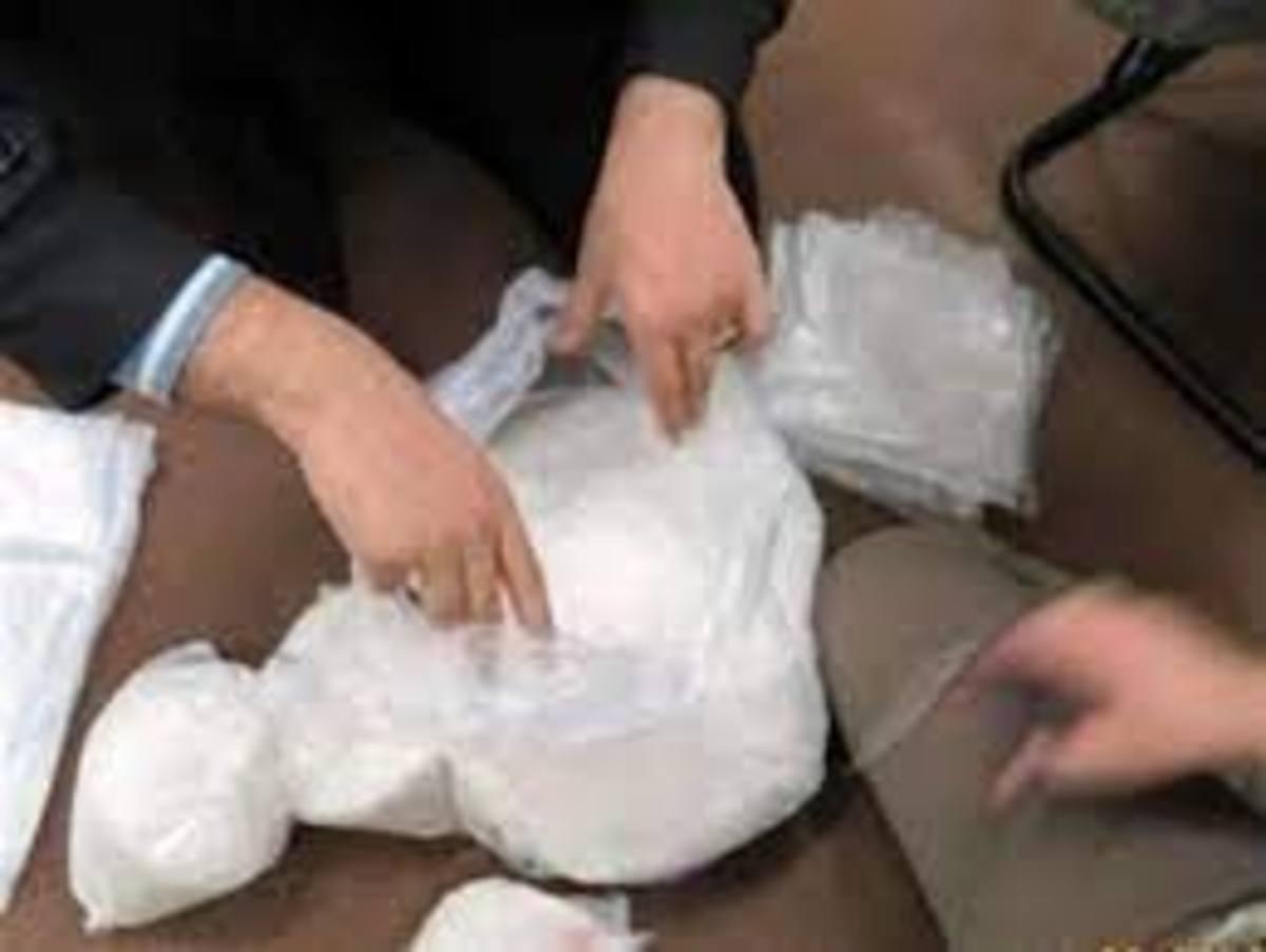 300 کیلو گرم شیشه در بَم کشف شد