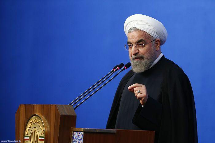 روحانی در مراسم 22 بهمن:  تکلیف ما در برابر انقلاب آن است که از مردم رفع نگرانی کنیم