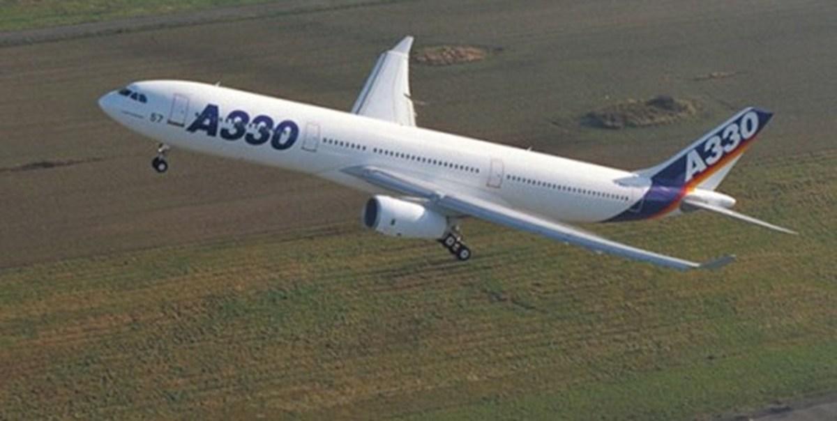 فرود اضطراری هواپیمای مسافربری در سنپترزبورگ