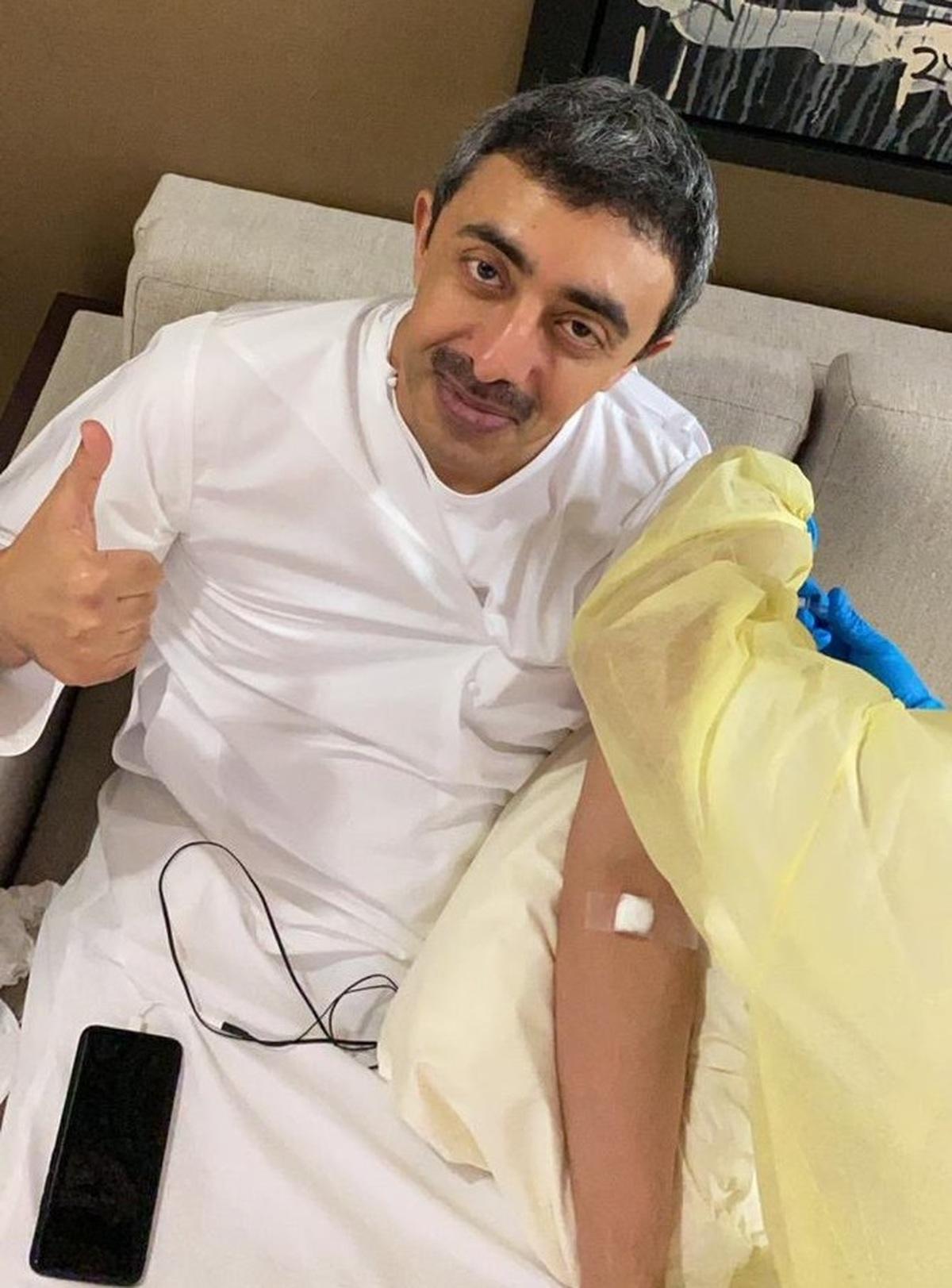 واکسن کرونا | وزیر خارجه امارات: مدعی تزریق واکسن شد