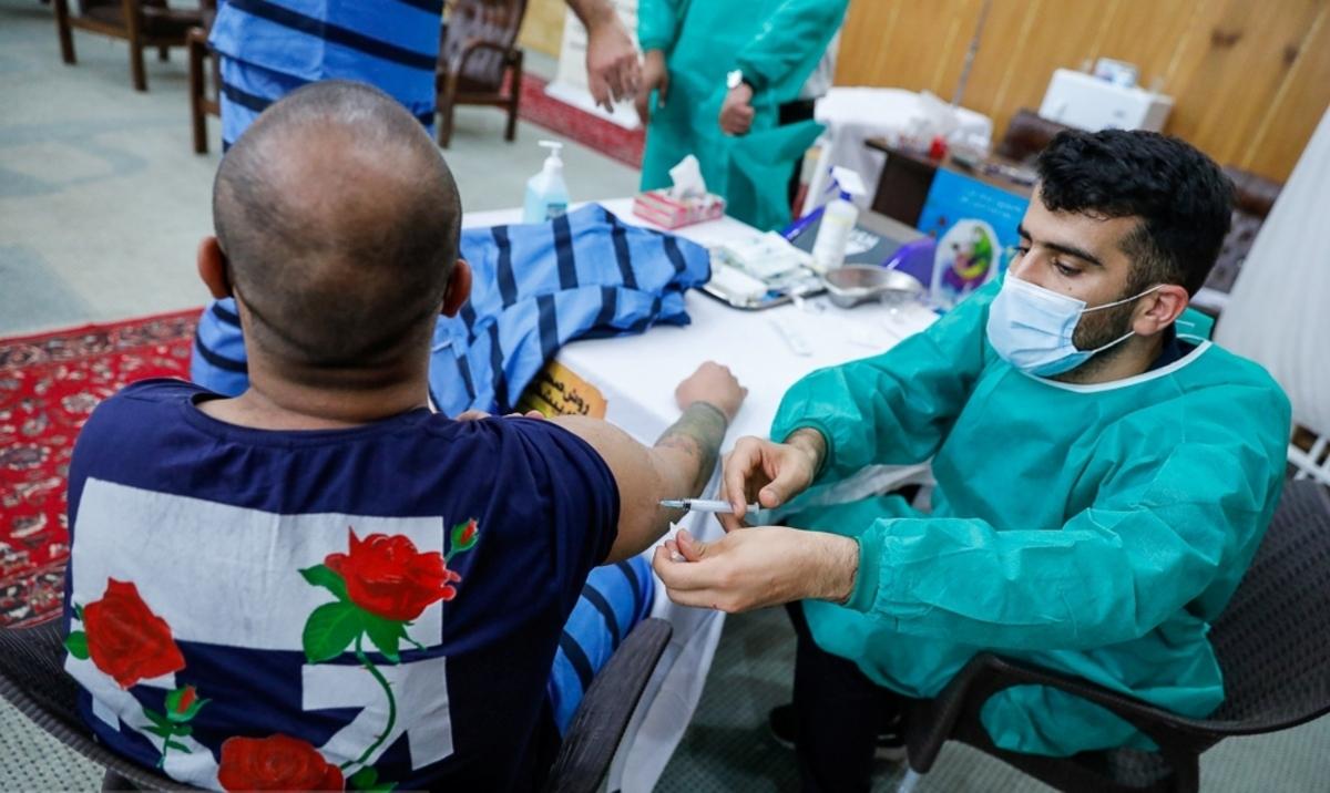 رییس سازمان زندانها: بیش از ۵۰ درصد زندانیان واکسینه شدند