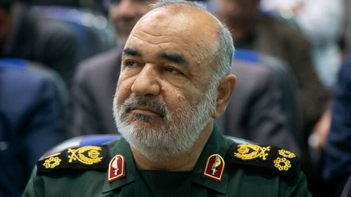 سپاه  |   سردار سلامی هیچ صفحهای در شبکههای اجتماعی ندارد