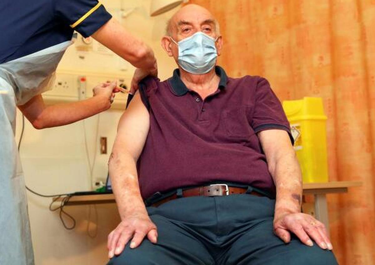واکسن کرونا آکسفورد هم وارد چرخه تزریق شد +عکس