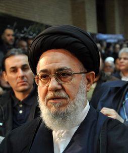 شعارهای مرگبرمنافق علیه «موسوی خوئینی» در نماز جمعه قم