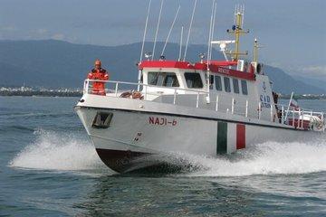 تیم جستجو و نجات دریایی بندر نوشهرموفق به نجات ۵ ماهیگیر محلی شدند