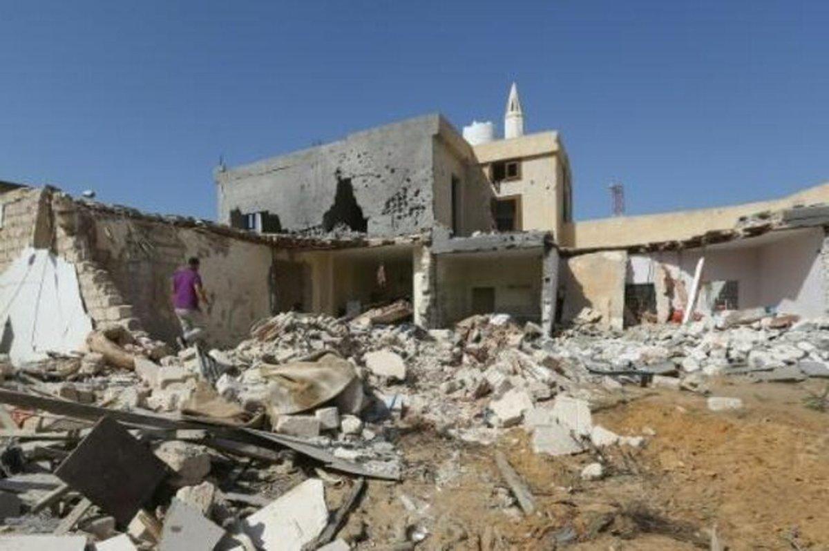 خدمات حمایتی کمیته امداد برای مددجویان زلزله زده سیسخت