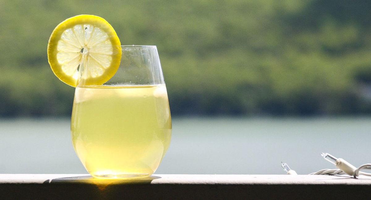 نوشیدنی های سالم که تشنگی و کمبود آب بدن را رفع میکنند