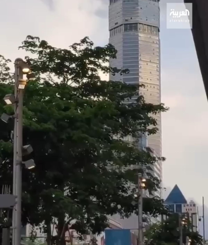 لرزش ناگهانی یک برج تجاری هفتاد طبقه در شهر شنزن در جنوب چین + ویدئو