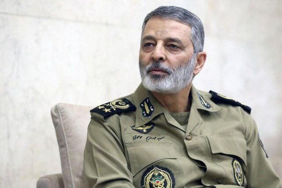 فرمانده کل ارتش: ارتش باتمام قدرت برای مقابله با کرونا پای کار است