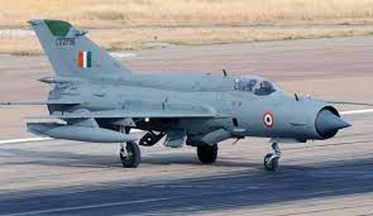حادثه |  یک کشته در سانحه سقوط جنگنده میگ ۲۱ نیروی هوایی