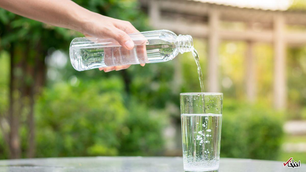 خوردن روزی ۸ لیوان آب چه تاثیری روی بدنم دارد؟