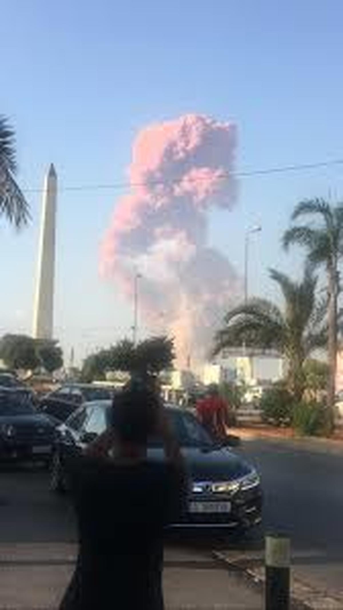 حادثه |  آتشسوزی عظیمی در بندر بیروت رخ داد