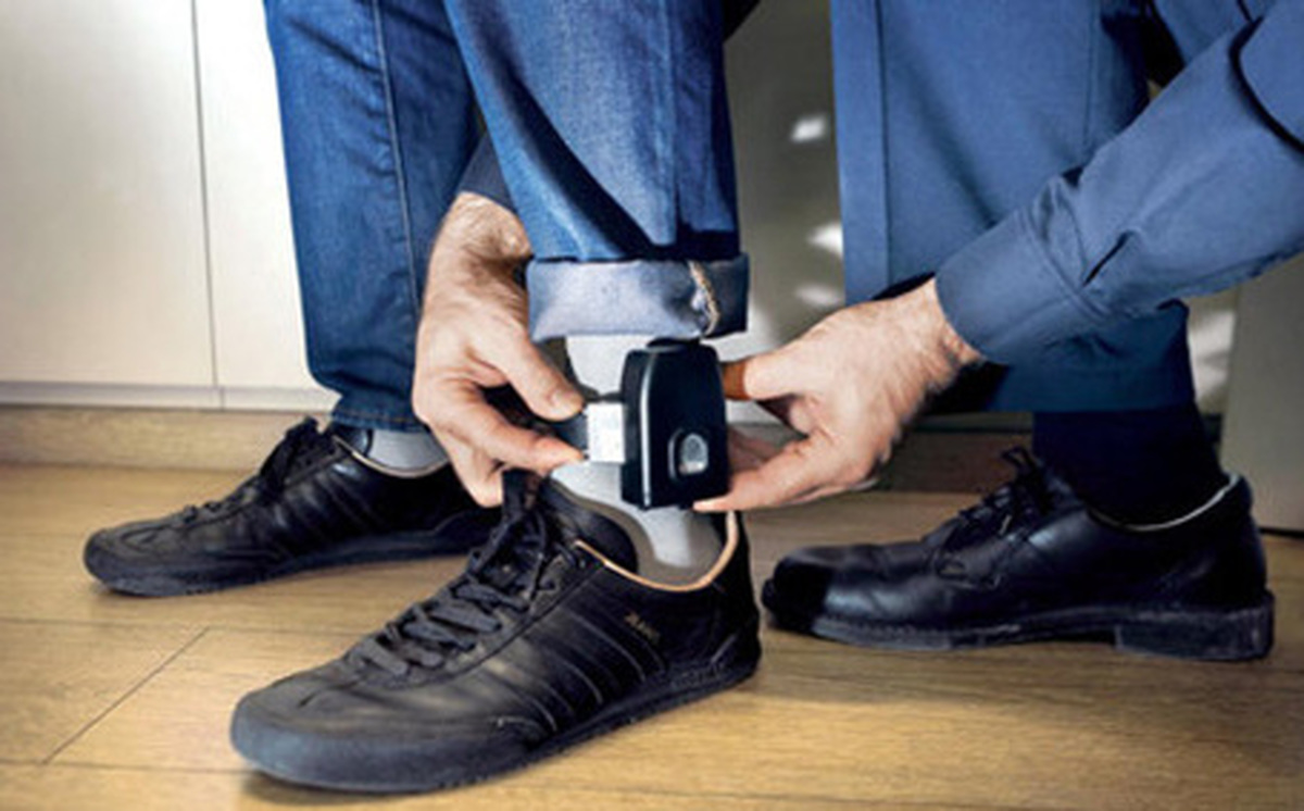 مقررات استفاده از پابند الکترونیکی| پابند الکترونیکی جایگزین حبس شد