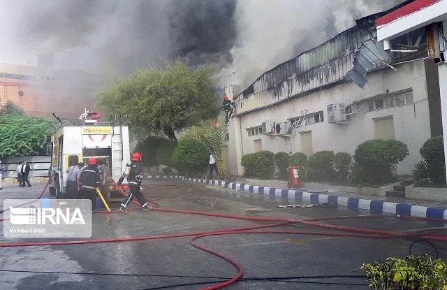 آتشسوزی   |  در شهرک صنعتی مهاباد 500تن کارتن طعمه حریق شد.