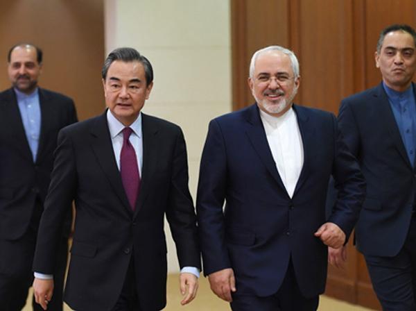 ظریف: در قرارداد با چین هیچ موضوع مخفی وجود ندارد | در ملاقات شی حین پینگ با مقام معظم رهبری درباره این قرارداد صحبت شد