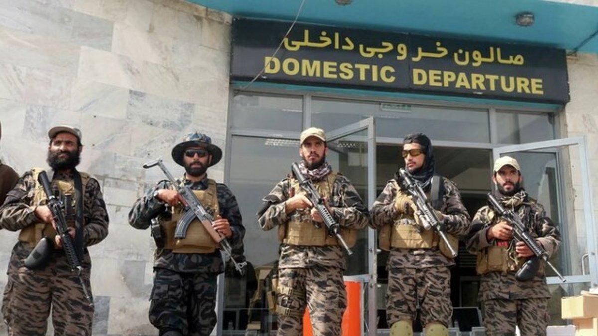 طالبان ارتش تشکیل میدهد