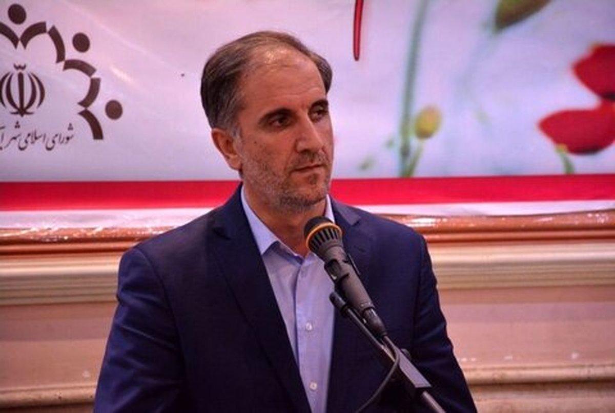شهردار اردبیل: قطع درختان مقابل اتاق اصناف بررسی می شود