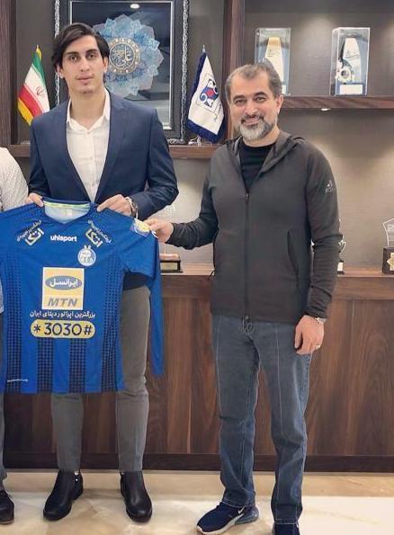 فوتبال  |  محمد نادری به استقلال پیوست