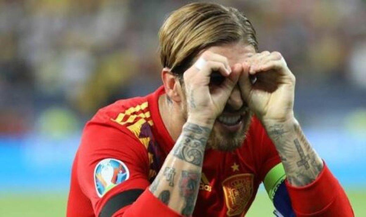 رکورد جدید سرخیو راموس در تاریخ فوتبال اسپانیا  سرخیو راموس امشب رکورددار پوشیدن لباس تیمملی کشور اسپانیا شد.