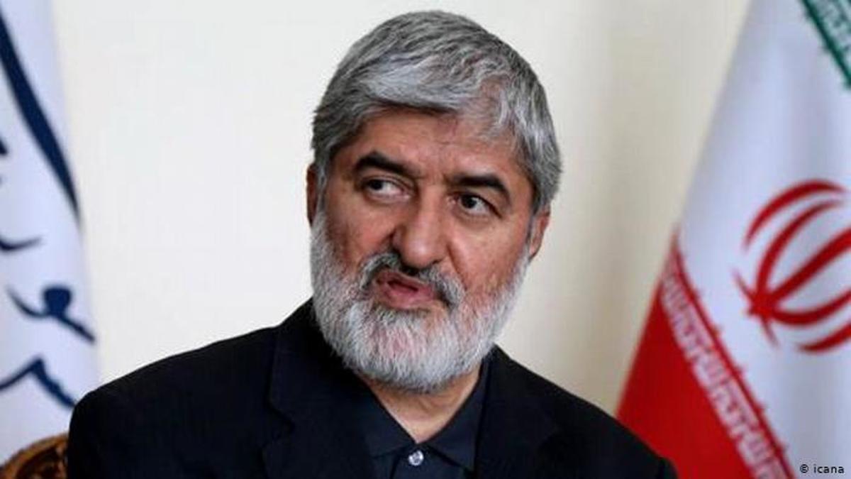 واکنش علی مطهری به اولین مناظره انتخابات  +عکس